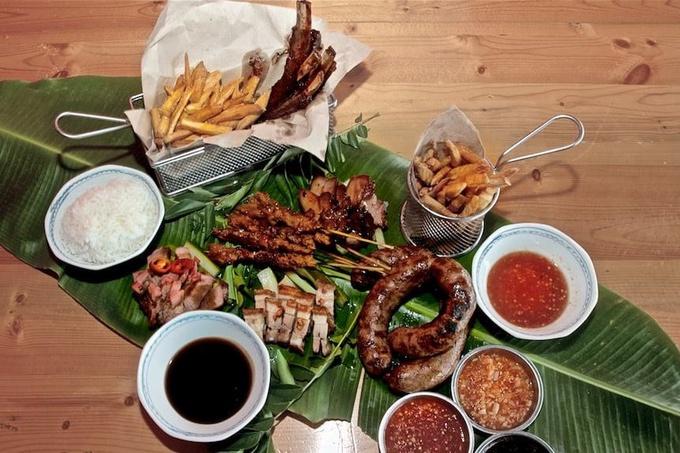 Photo: Traditional Food Set, Vogs Platter