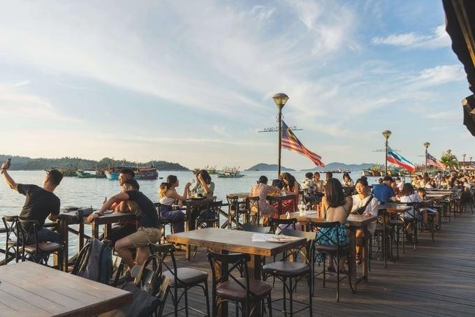 Photo: Waterfront, Kota Kinabalu